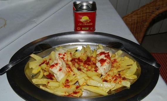 patatas con mayonesa y pimentón